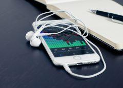 The Future belongs to Online Shopping through Smart Phones
